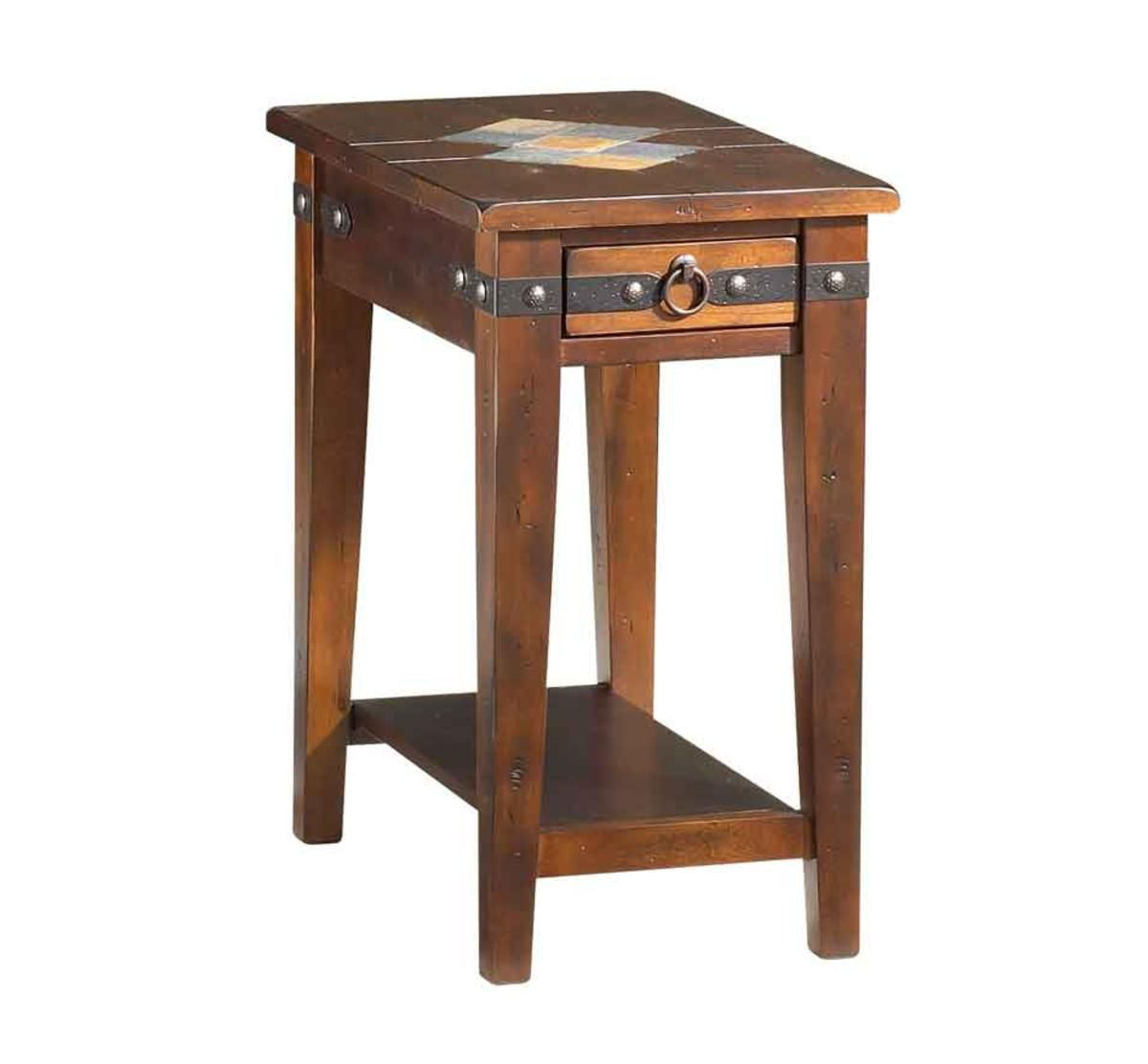 Picture of CANYON COVE II CHAIRSIDE TABLE