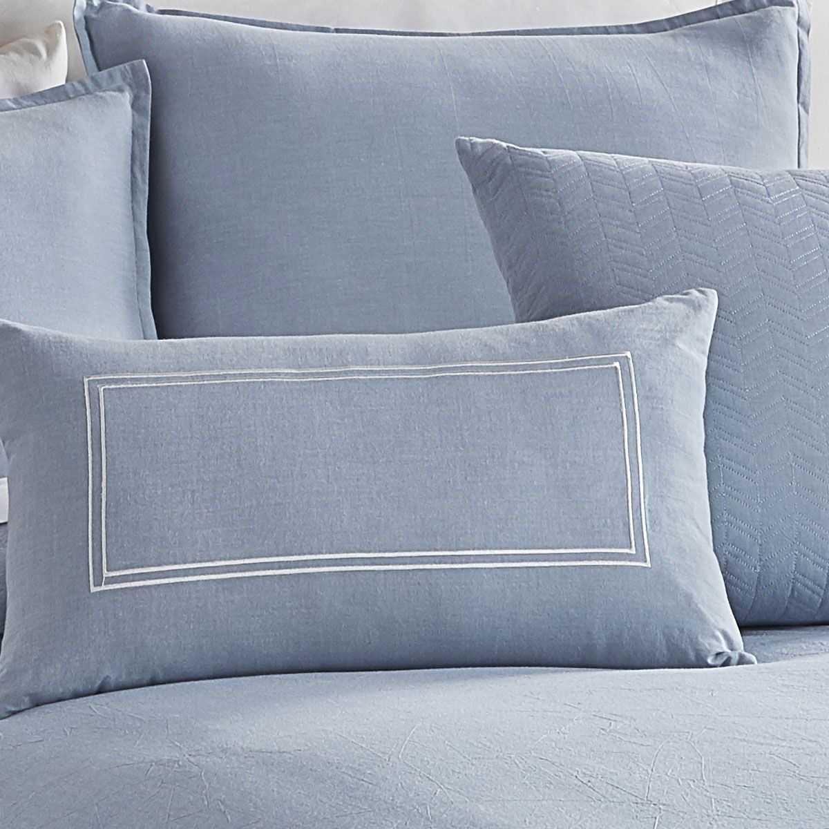 Picture of CHAMBRAY BLUE 6 PIECE QUEEN LINEN SET