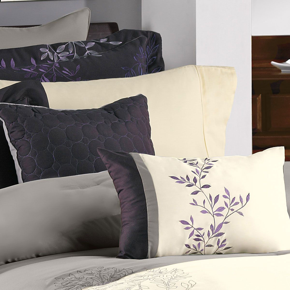 Picture of SOOTHING PURPLE 7 PIECE KING LINEN SET