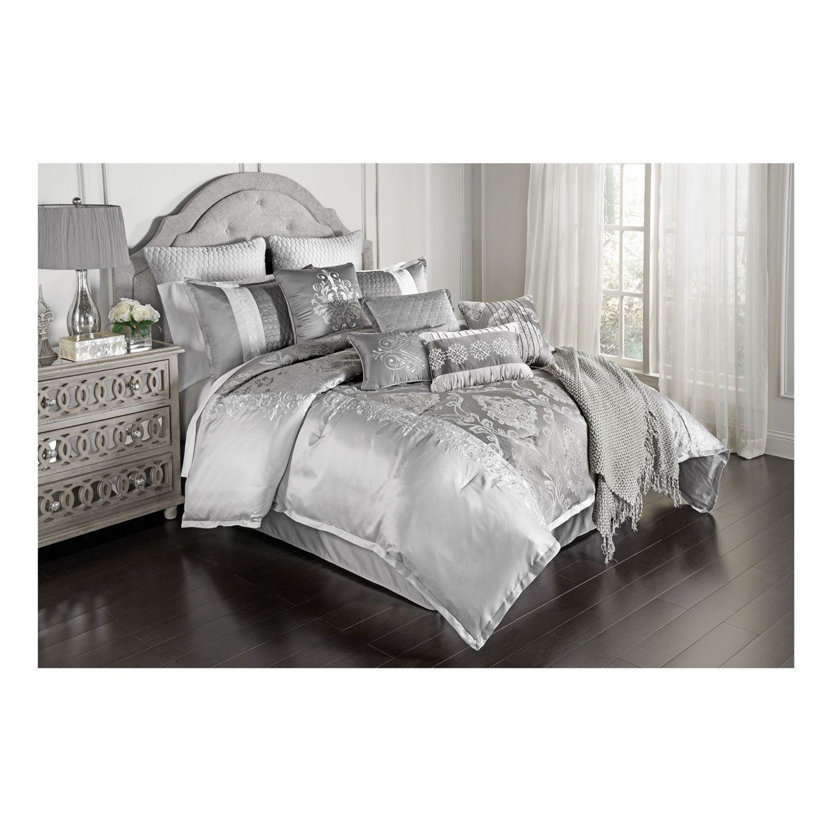 Picture of GLAM SILVER LINEN SET