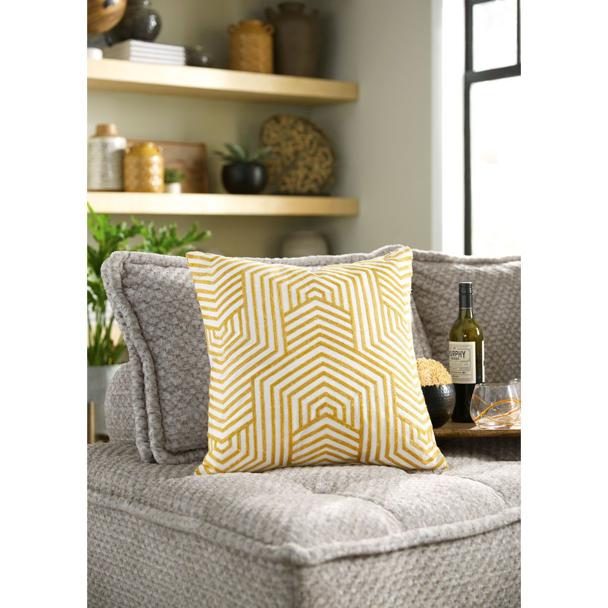 Picture of GEOMETRIC THROW PILLOW
