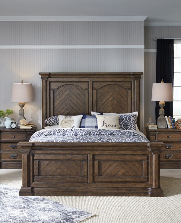 Image of Baynes 5 Piece Bedroom Set